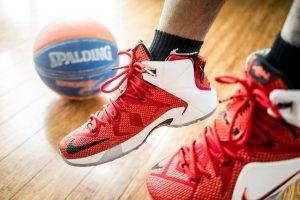 מה הקשר בין האצה לכדורסל?