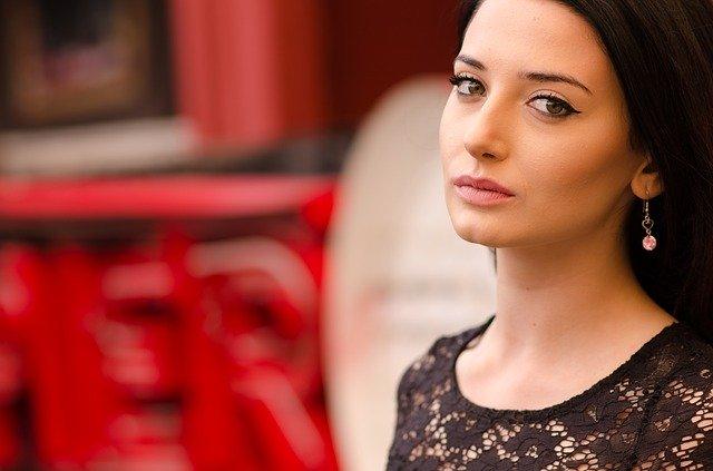 איך לשמור על מראה של עור צעיר